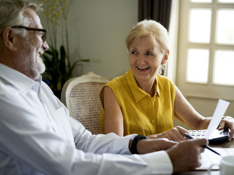 citizens-bank-older-couple-laughing-image
