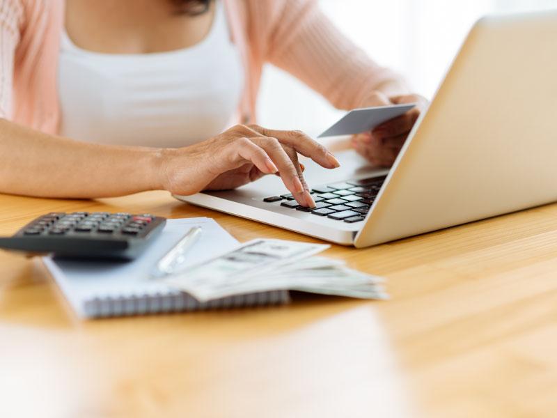 paying-bills-online-image-citizens-bank